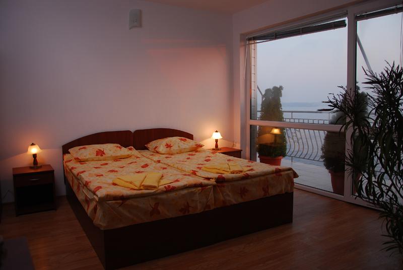http://www.hotel-andromeda.com/gallery/DSC_5429-800.jpg