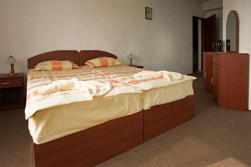 http://www.hotel-andromeda.com/gallery/IMG_0366.jpg